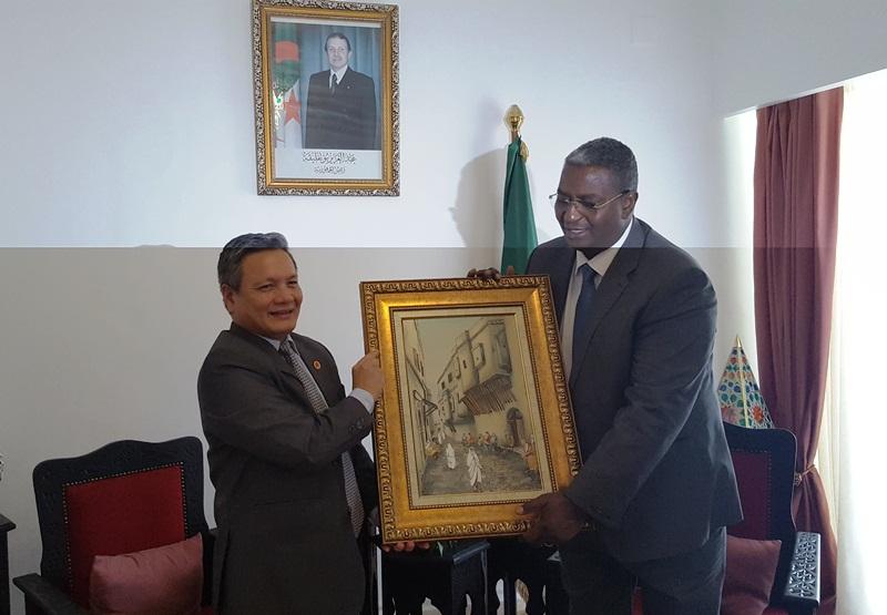 Việt Nam – Algeria tăng cường hợp tác trong lĩnh v ực du lịch và nghề thủ công