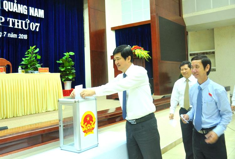 HĐND tỉnh Quảng Nam thông qua nhiều nghị quyết quan trọng