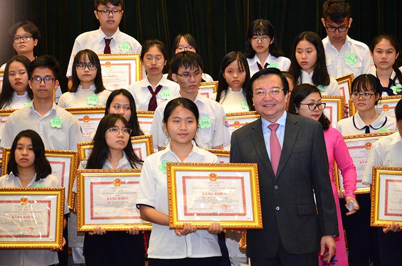 TP. Hồ Chí Minh tuyên dương và khen thưởng 778 học sinh giỏi tiêu biểu