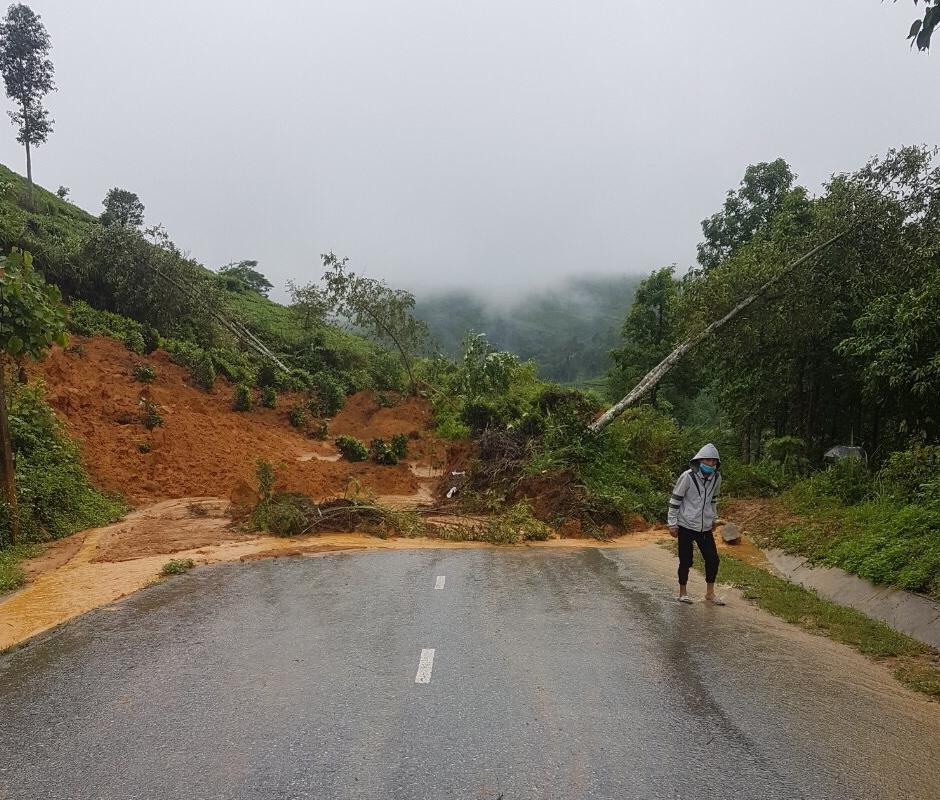 Yên Bái: Mưa lũ gây thiệt hại nặng về giao thông, nhiều tuyến đường bị ngập lụt