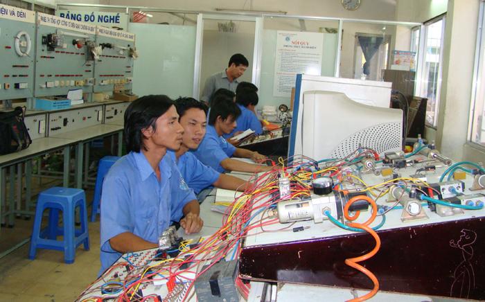 Thành lập Tổ công tác gắn kết giáo dục nghề nghiệp với thị trường lao động và việc làm bền vững