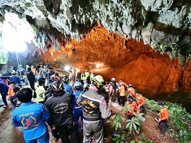 Thái Lan: Việc tìm kiếm đội bóng mắc kẹt trong hang có tiến triển