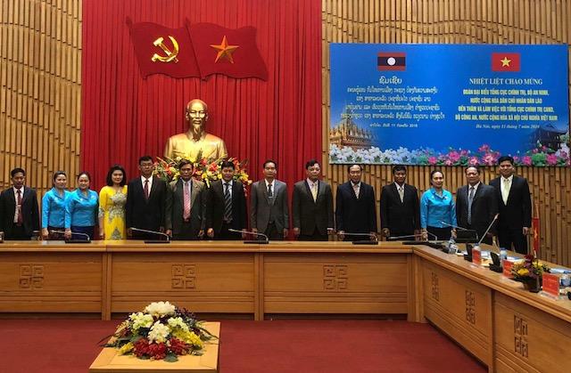 Tăng cường các hoạt động giao lưu, trao đổi đoàn giữa Bộ Công an Việt Nam và Bộ An ninh Lào