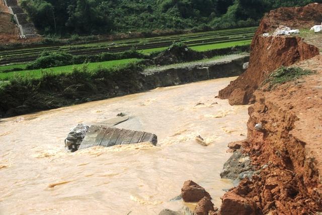 Theo dõi chặt chẽ diễn biến mưa, lũ, lũ quét, sạt lở đất tại các tỉnh vùng núi