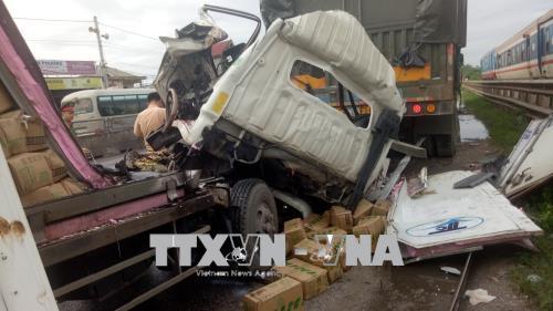 Nghệ An: Tai nạn giao thông giữa 2 xe tải khiến 2 người thương vong