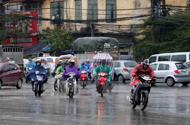 Nhiều vùng trong cả nước có mưa dông, rủi ro thiên tai tại khu vực phía Bắc do mưa lớn cấp 1-2