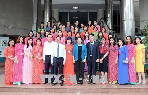 Chủ tịch Quốc hội Nguyễn Thị Kim Ngân làm việc tại Trung tâm lưu trữ Quốc gia III