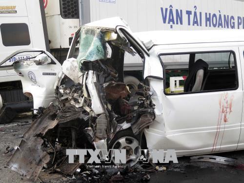 Tai nạn giao thông đặc biệt nghiêm trọng ở Quảng Nam làm 13 người chết, 4 người bị thương nặng