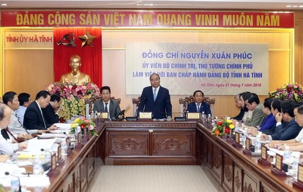 Thủ tướng Nguyễn Xuân Phúc: Hà Tĩnh cần phấn đấu sớm tự chủ ngân sách
