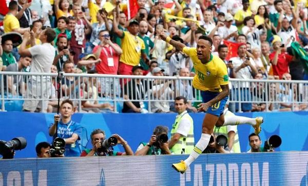 Neymar tỏa sáng, Brazil tiến vào tứ kết