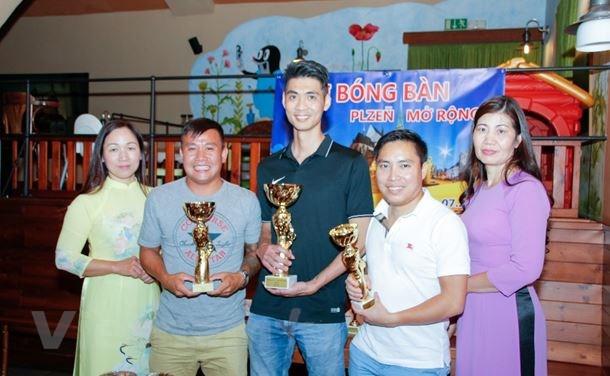 Người Việt ở Séc tổ chức thành công Giải bóng bàn Plzeň