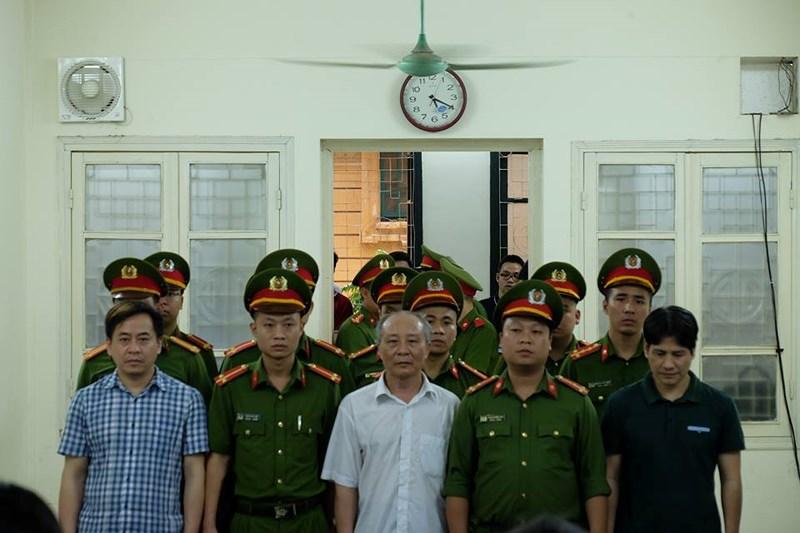 """Tuyên phạt bị cáo Phan Văn Anh Vũ 9 năm tù về tội """"Cố ý làm lộ bí mật nhà nước"""""""