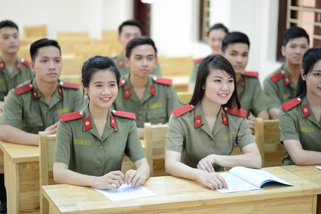 Công bố điểm sàn xét tuyển vào các học viện, trường đại học Công an nhân dân năm 2018