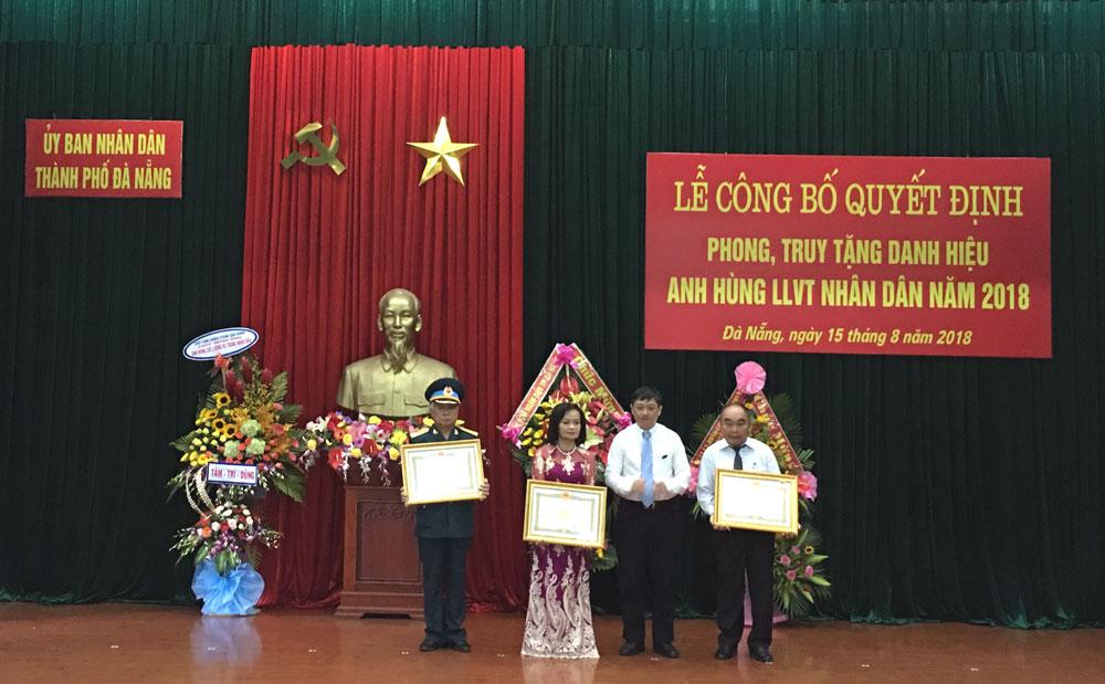 Đà Nẵng: 03 cá nhân được phong, truy tặng danh hiệu Anh hùng lực lượng vũ trang nhân dân