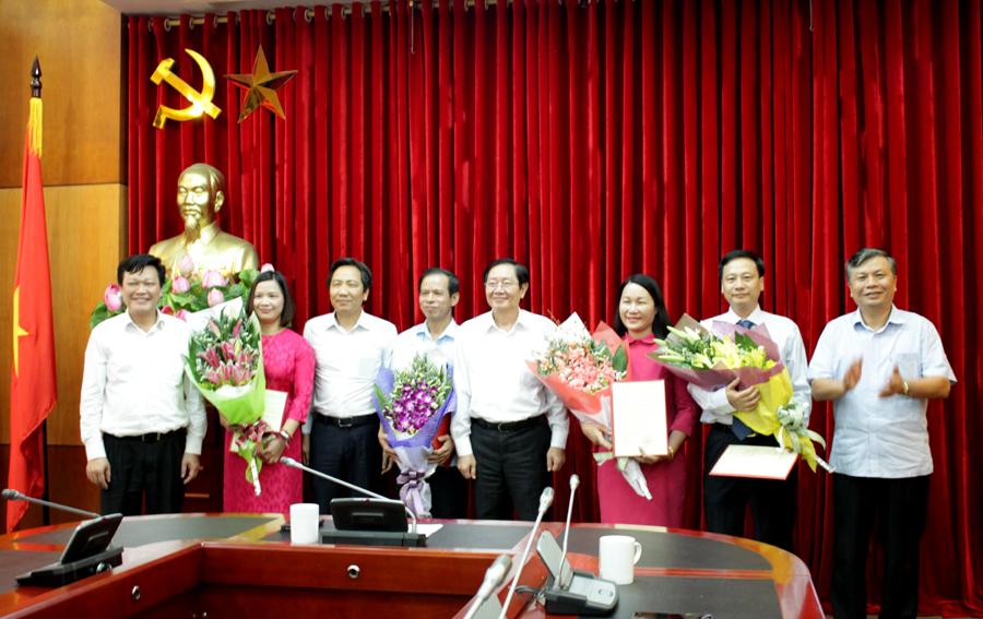 Bộ Nội vụ công bố và trao Quyết định điều động, bổ nhiệm lãnh đạo cấp Vụ