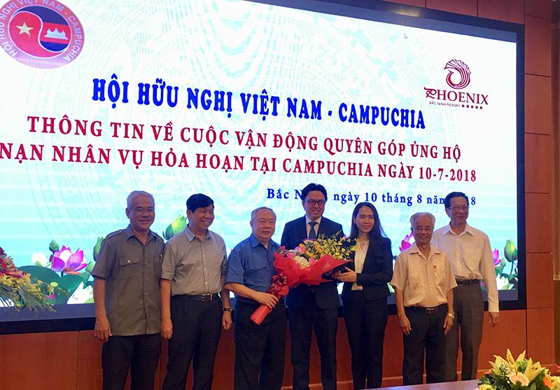 Quyên góp gần 1 tỷ đồng ủng hộ nạn nhân vụ hỏa hoạn tại Campuchia