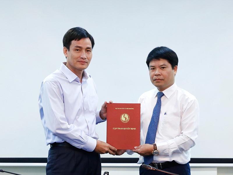 Bộ Tài nguyên và Môi trường trao Quyết định bổ nhiệm Giám đốc Ban Quản lý dự án đầu tư xây dựng