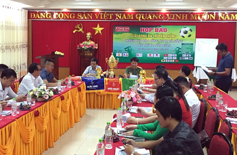 8 đội tranh tài Giải bóng đá truyền thống Cúp Báo Công an Đà Nẵng năm 2018