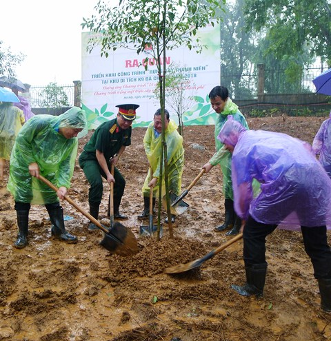 Tuổi trẻ Thủ đô ra quân trồng 600 cây xanh tại Khu di tích K9