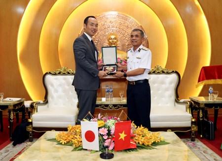 Bộ Tư lệnh Hải quân tiếp đoàn Cục Chính sách Phòng vệ Nhật Bản
