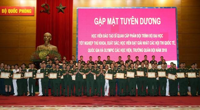 Tuyên dương thủ khoa xuất sắc các Học viện, Nhà trường Quân đội năm 2018