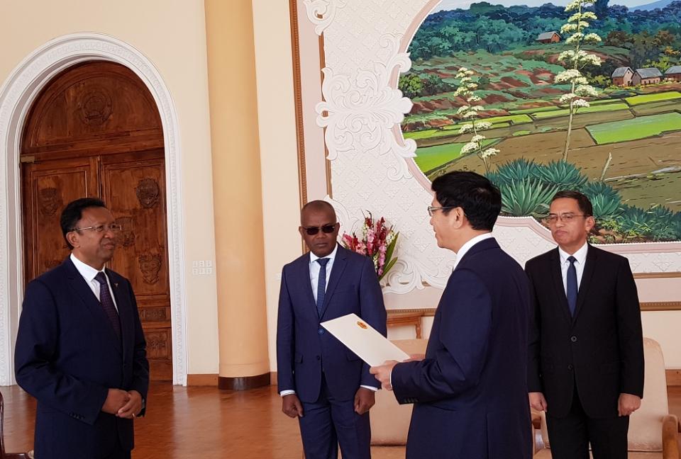Thúc đẩy quan hệ Việt Nam – Madagascar phát triển thực chất và hiệu quả