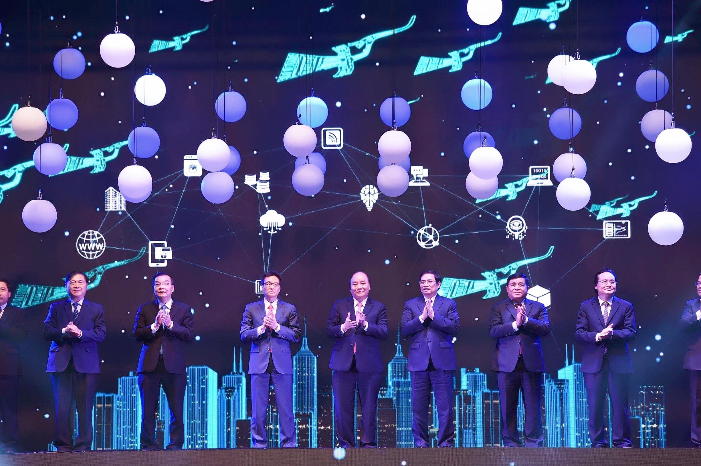 Thủ tướng Nguyễn Xuân Phúc dự Chương trình kết nối Mạng lưới đổi mới sáng tạo Việt Nam