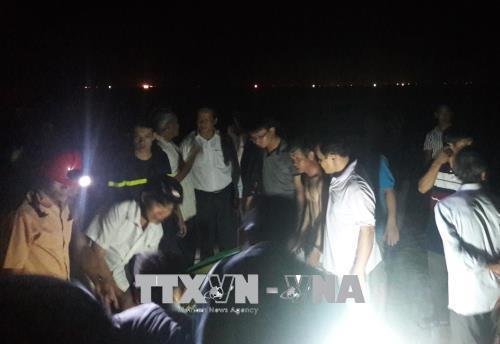 Quảng Ngãi: Tắm biển, 3 học sinh chết đuối thương tâm