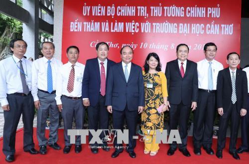"""Thủ tướng """"đặt hàng"""" Đại học Cần Thơ vào nhóm Đại học hàng đầu châu Á"""