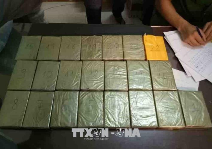 Đắk Lắk: Bắt giữ vụ vận chuyển 22 bánh heroin