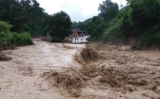 Mưa lớn ở Gia Lai và Kon Tum, nguy cơ cao xảy ra lũ quét, sạt lở đất