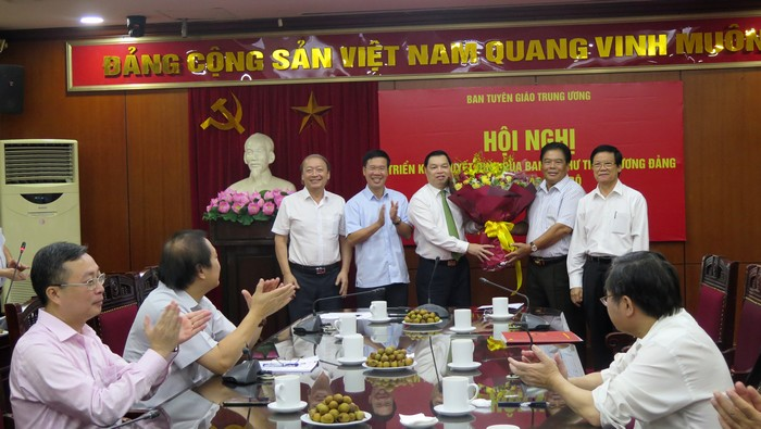Đồng chí Lê Mạnh Hùng giữ chức Phó Trưởng ban Tuyên giáo Trung ương