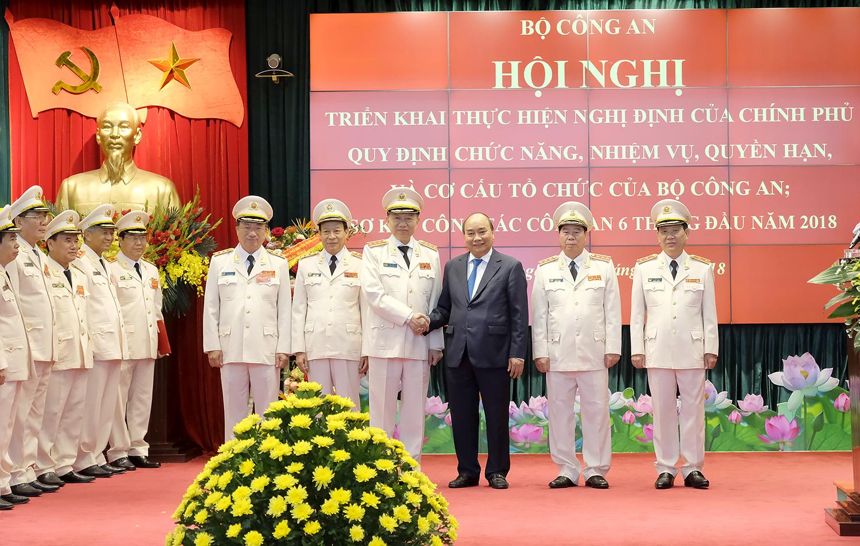 Thủ tướng: Tập trung xây dựng lực lượng Công an nhân dân vừa hồng, vừa chuyên