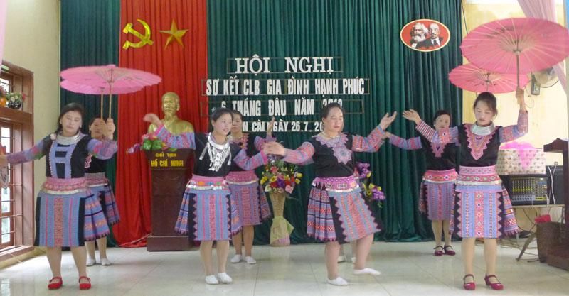 Nhân lên những yêu thương từ CLB Gia đình hạnh phúc của người Mông ở Săn Cài