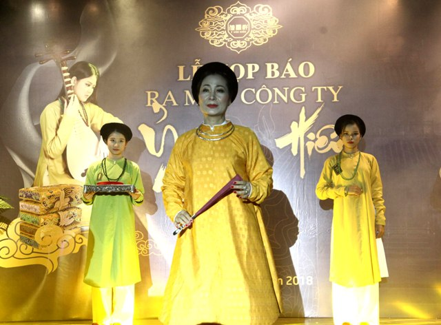 """""""Ỷ Vân Hiên""""- Tìm về văn hóa Việt"""