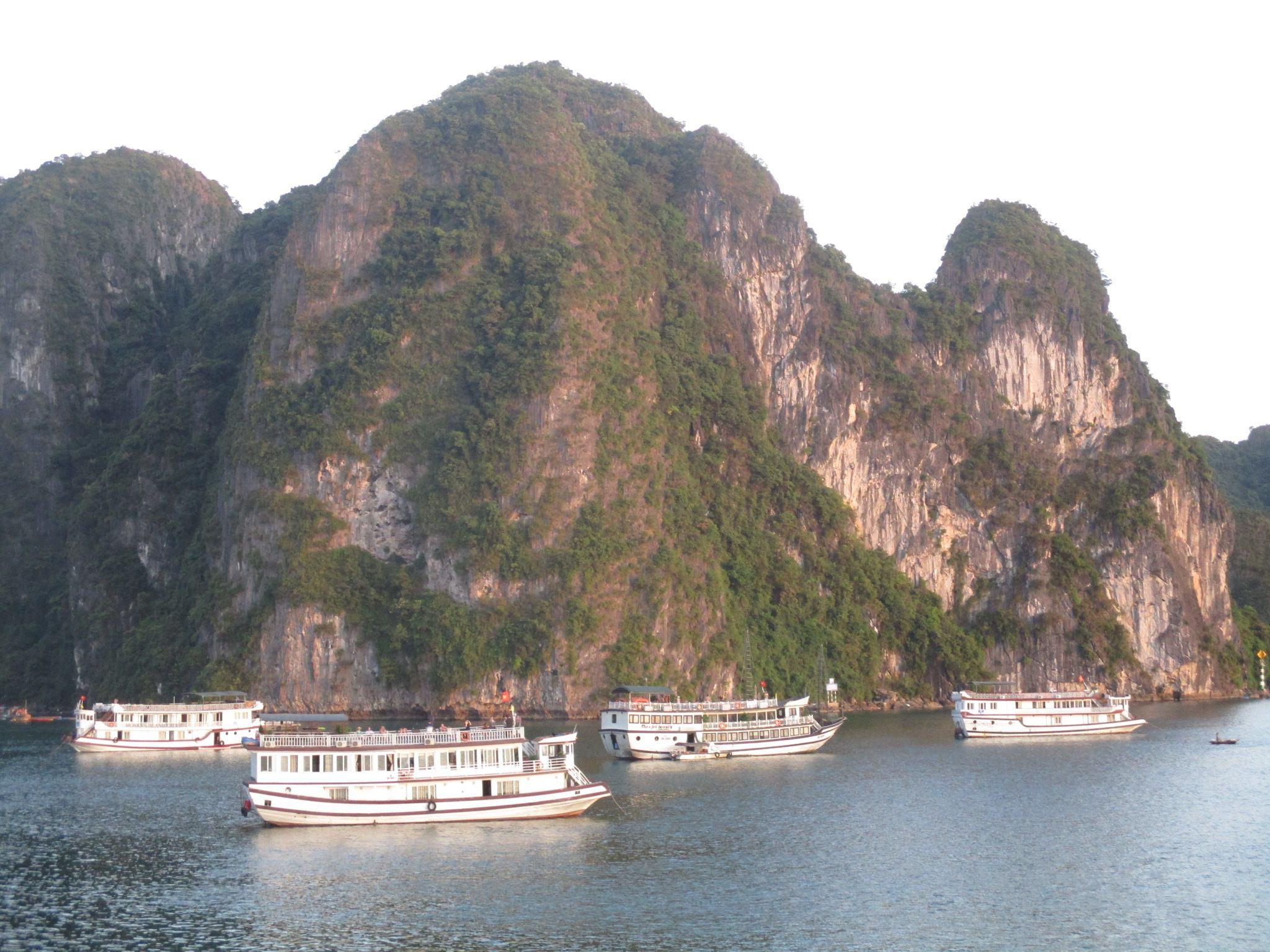 Quảng Ninh: Đón hơn 9 triệu du khách trong 8 tháng năm 2018
