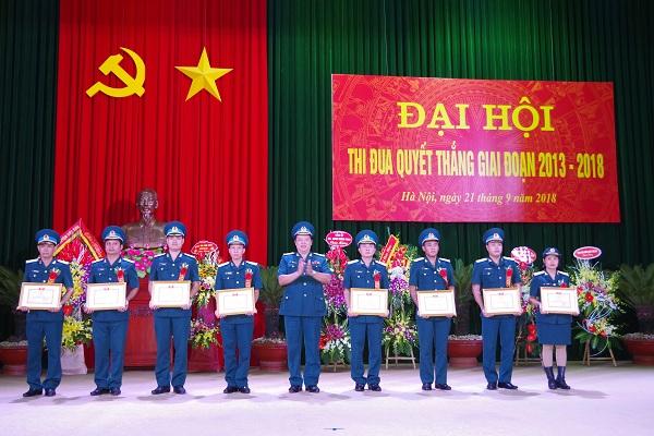 Sư đoàn Không quân 371 tổ chức Đại hội Thi đua quyết thắng giai đoạn 2013 - 2018