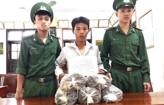 Nghệ An: Bắt giữ đối tượng vận chuyển 20kg thuốc nổ