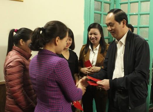 Chủ tịch nước Trần Đại Quang trong sự tôn kính của cán bộ, công chức Văn phòng Ban Chỉ đạo Cải cách tư pháp Trung ương  
