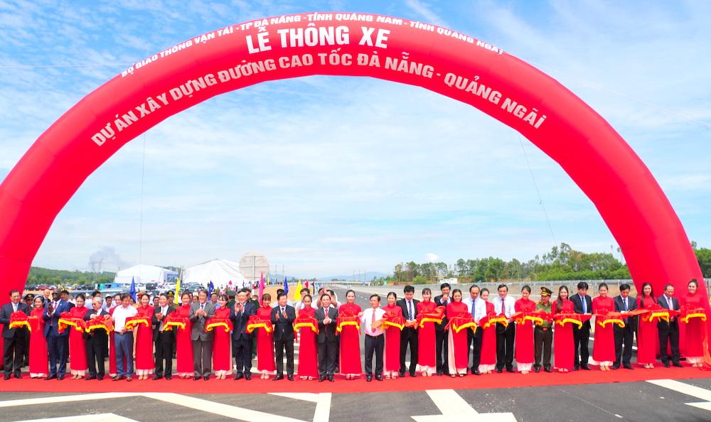 Thông xe toàn tuyến đường cao tốc Đà Nẵng - Quảng Ngãi