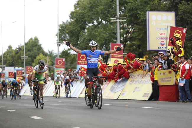 Kết thúc chặng 12 Giải xe đạp quốc tế VTV Cúp Tôn Hoa Sen 2018