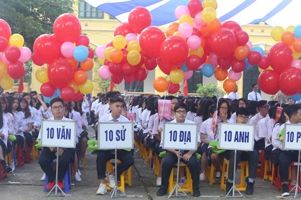 Chủ tịch nước dự khai giảng năm học mới tại Trường THPT Chu Văn An (Hà Nội)