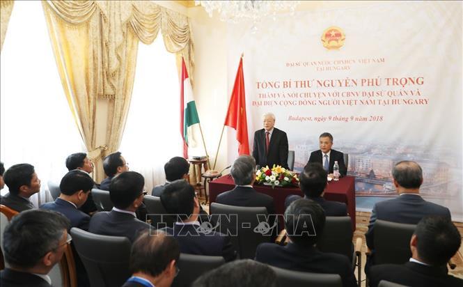 Tổng Bí thư Nguyễn Phú Trọng thăm, nói chuyện với đại diện cộng đồng người Việt Nam tại Hungary