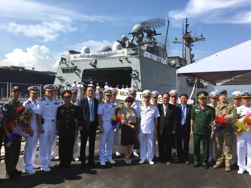 Tàu khu trục Hàn Quốc thăm xã giao Đà Nẵng