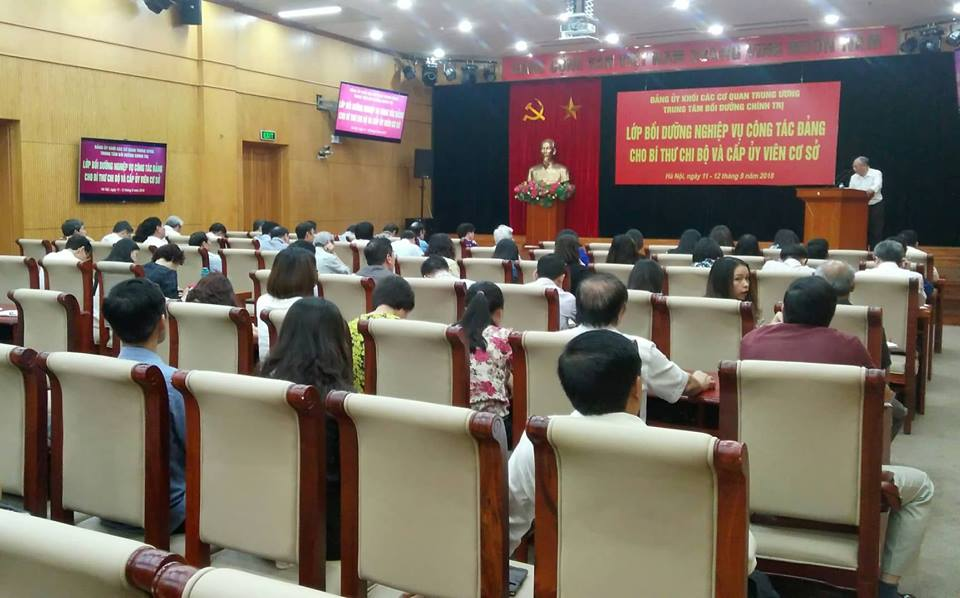 Khai giảng Lớp bồi dưỡng nghiệp vụ công tác Đảng cho bí thư chi bộ và cấp ủy viên cơ sở