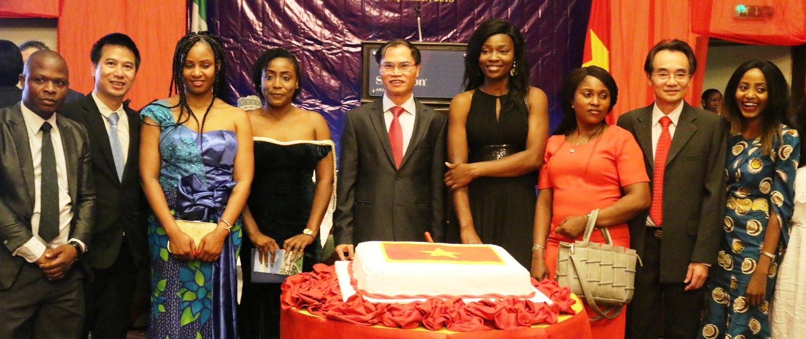Việt Nam coi trọng việc phát triển mối quan hệ truyền thống với Nigeria