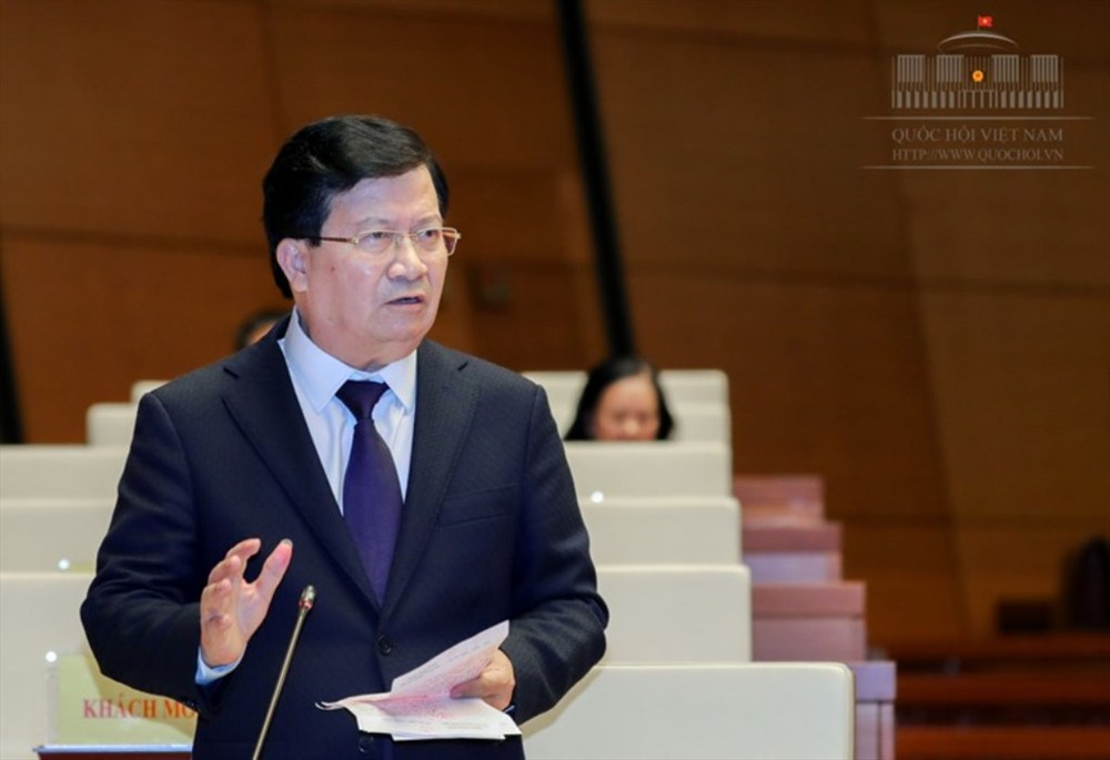 Phó Thủ tướng Trịnh Đình Dũng trả lời chất vấn Đại biểu Quốc hội Trần Văn Minh