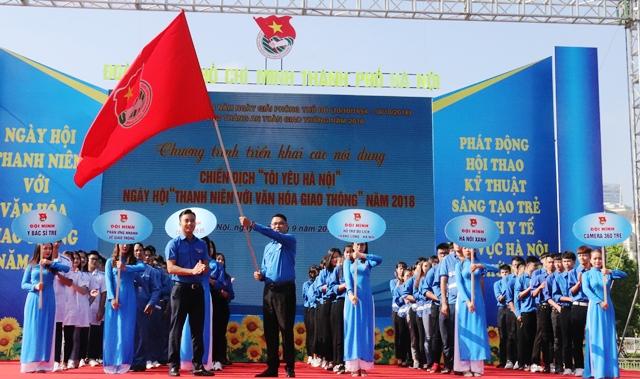 """1000 đoàn viên, thanh niên Thủ đô ra quân chiến dịch """"Tôi yêu Hà Nội"""""""