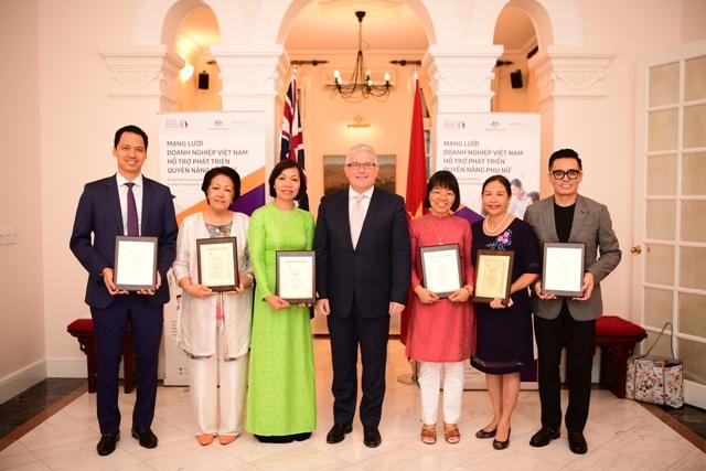 Ra mắt Mạng lưới doanh nghiệp Việt Nam hỗ trợ phát triển quyền năng phụ nữ (VBCWE)