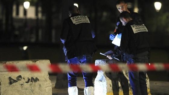 Tấn công bằng dao ở thủ đô Paris của Pháp, nhiều người bị thương